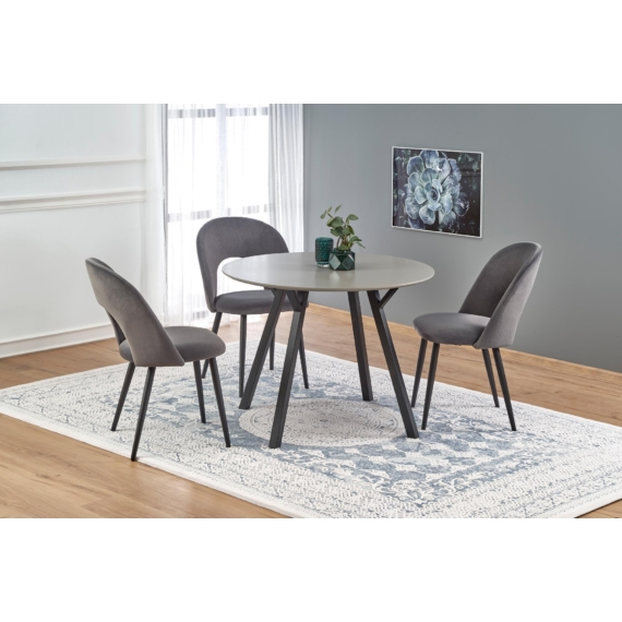Balrog asztal K384 székekkel