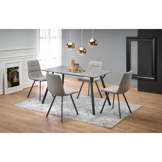 Balrog szögletes asztal K402 székekkel